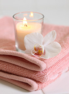 spa-candle-towel-pink
